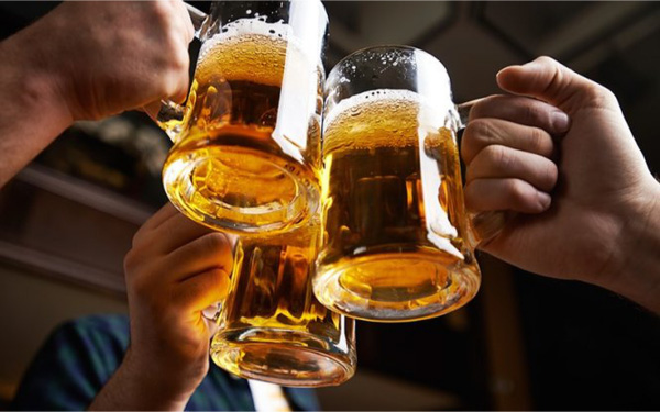 Uống rượu, bia 1