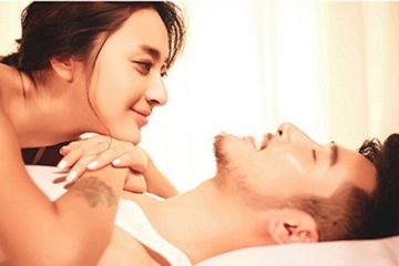 """Chồng bỗng quá """"sung"""" khiến vợ trẻ phát hoảng khi """"yêu"""""""